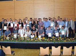 65 Junglandwirte wurden in Freiburg feierlich freigesprochen.