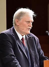 Peter Wohlfarth moderierte die festliche Krönung.