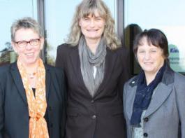 Wechsel im Bäuerinnenausschuss: Hanne Dauwalter (rechts) hat ihr Amt als Vorsitzende an  Agnes Zimmermann (links) übergeben. Mit ihnen freut sich LFVS-Geschäftsführerin Birgitta Klemmer.