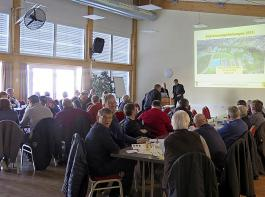 In Breisach trafen sich Saatmaiserzeuger und Branchenbeteiligte zur Fachinformation und zum Gedankenaustausch.