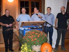 Das Kellerteam stellte gemeinsam edle Tropfen in einer Weinprobe vor (von links): Matthias Kunzelmann, Patrick Engist, Christoph Rombach, Mathias Zimmermann und Thomas Kreuz.