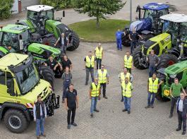 Die Landtechnikberater der Landwirtschaftskammer wurden beim Schleppertest unterstützt von je einem Mitarbeiter eines Lohnunternehmers und der Deula Westerstede, wo auch der Test durchgeführt wurde.