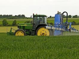 Bei der Reduktion des Pflanzenschutzmitteleinsatzes bleibt es bei der vom BLHV kritisierten verbindlichen Zielsetzung der Reduktion um 40 bis 50 Prozent bis zum Jahr 2030.