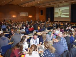 Etwa 300 interessierte junge Agrarier  trafen sich20. Junglandwirtekongress.