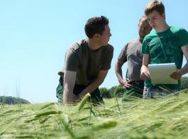 Der BDL fordert eine gezielte Förderung für junge Landwirtinnen und Landwirte.