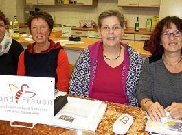 Monika Mayer, Silvia Albert und Sonja Ketterer bilden das neue Vorstandsteam der Göschweiler Landfrauen. Gabi Mayler stand acht Jahre an der Spitze des Ortsvereins (von links).