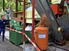 Daniel Kurz von der Nuss Thurgau AG stellte die neue Verarbeitungsanlage vor, beginnend mit der Anlieferung am Nussbunker.