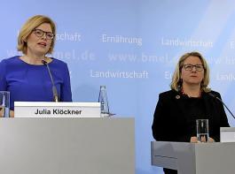 Julia Klöckner (links) und Svenja Schulze betonten gemeinsam, dass konkrete Leistungen der Landwirtschaft für Umweltschutz, Klima und Artenvielfalt künftig viel stärker honoriert werden als bisher.