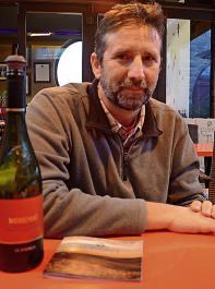 György Lorincz hat seinen Keller 2002 gegründet und ihn St. Andréa genannt. Der Mereng (rotes Etikett) ist ein Stierblut Superior für 24 Euro.