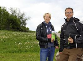 Eva und Wolfram Wiggert sind mit der Resonanz der Firmen  auf ihr Blühpatenschafts-Projekt bisher sehr zufrieden.