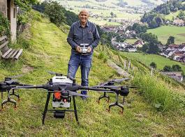 Udo Opel, der Geschäftsführer der Winzergenossenschaft Roter Bur, setzt sich tatkräftig für die Idee ein, Drohnen für den Rebschutz nutzbar zu machen.