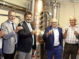 Stießen  auf die neue Saison an (von links): Dieter Blaeß, Ulrich Müller, Reinhold Pix, Fritz Keller, Fridolin Baumgartner und Benjamin Bohn.