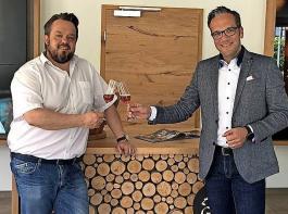 Stephan Danner von der Durbacher WG (li.) folgt auf Markus Ell (Oberkircher Winzer) als Sprecher der Ortenauer Winzergenossenschaften im Badischen Weinbauverband.