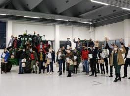 Auch die AKI-Praktikanten aus Georgien erhielten ihre Abschlussurkunden.