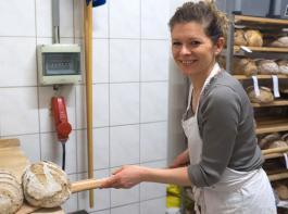 Dank der hauswirtschaftlichen Qualifizierung kann Beata Grimmig heute die Aufgaben in Haus, Hofladen und Büro gut bewältigen.