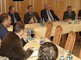 Der Beirat der AfH diskutierte rege mit den scheidenden  Führungskräften aus Ministerium und Regierungspräsidium Freiburg.