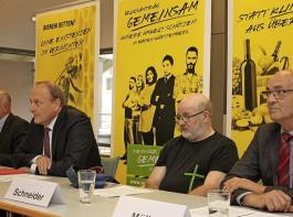 Vier baden-württembergische Bauern- und Weinbaupräsidenten argumentieren für den Volksantrag (von links): Werner Räpple (BLHV), Joachim Rukwied (LBV), Kilian Schneider (Badischer Weinbauverband) und  Franz Josef Müller (LVEO).