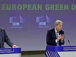 Der Green Deal ist ein ehrgeiziges Zukunftsprojekt der EU-Kommission:  Hier Frans Timmermans (links) Vizepräsident der Kommission, und Wirtschaftskommissar Paolo Gentiloni bei einer Pressekonferenz am 15. Juli.