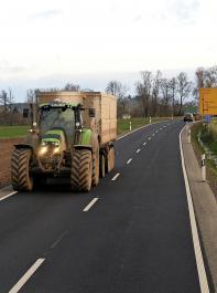 Landwirtschaftliche Fahrzeuge sind weitgehend von der Maut befreit.