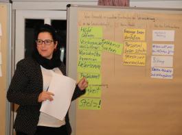 Die BBL-Bildungsreferentin Michaela Schöttner stellte  Ergebnisse aus der Gruppendiskussion vor.