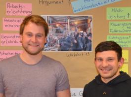 Steffen Fichter (links) und Dominik Hils qualifizieren sich derzeit als künftige Nebenerwerbslandwirte.