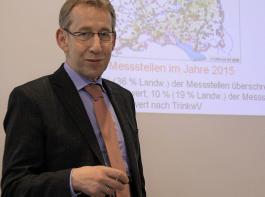 Professor Franz Wiesler erklärte die neue Düngeverordnung.