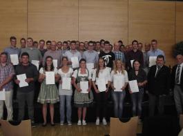 Die Junglandwirte wurden bei einer Feier im Rahmen der Baden Messe in Freiburg freigesprochen.